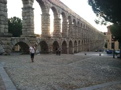 Mis aventuras en Segovia, España: The Aqueduct [el acueducto]