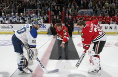Hawks legend Tony Esposito does the ceremonial first puck drop during the @Chicago Blackhawks & @St. Louis Blues game on April 1, 2009.