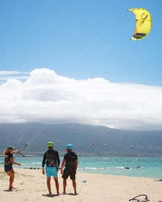Take a lesson with a friend and #sharethestoke!  #kitesurf #learntokite #hstkite #hstinstructors #kitelife #maui #hawaii #letskitsurf #kitergram #kitesurfingworld #kitelessons #kitemaui #kanaha #kitesurfing #instakite