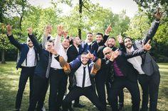 Photo de groupe - Le marié avec tous ses copains Photo Couple, Couple Photos, Photo Macro, Photos Hd, Album Photo, Photo Booth, Marie, Couples, Group Shots