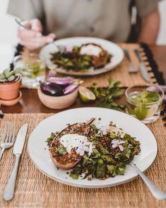 Geroosterde aubergine met kruidensalade & linzen
