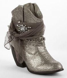 I have the same ones except the glitter is on the belt and the whole boot is gray. This is upsetting because I would have much rather enjoyed full on glitter.