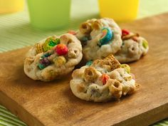 Bottom of the Cereal Box Cookies...I know a couple of little boys who'd love these!