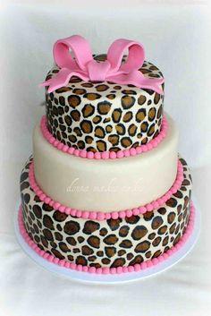 Leopard Print Cake  Donna Makes Cakes cakepins.com