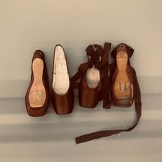 Pointe Shoes, Ballet Shoes, Dance Shoes, Pretty Ballerinas, Old Money, Lolita, Brown Aesthetic, Poses, Photo Dump