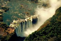 definitelydope:  Cataratas Victoria-Zimbawe (by tapperoa)