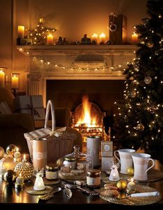 40+ Fabulous Christmas Dining Room Decorating Ideas All About Christmas