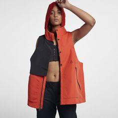 NikeLab ACG Women's Vest Mode Mantel, Nike Acg, Fashion And Beauty Tips, Rain Jacket, Windbreaker, Raincoat, Vest, Spring Summer, Jackets