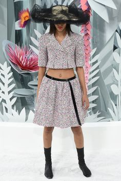 Chanel, Look #16