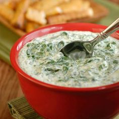 This homemade spinach dip recipe is better for your low carb diet than the store-bought variety which has added sugar and other additives in it. Artichoke Recipes, Artichoke Dip, Homemade Spinach Dip, Vegan Spinach Dip, Recipe For Cream Of Broccoli Soup, Fête Trash Pack, Dip Recipes, Cooking Recipes, Recipes