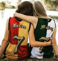 """Harry Potter & Draco Malfoy jerseys Too bad it wouldn't work for me.I'm a Slytherin my other friends are Slytherin, (unofficialy) Hufflepuff , and """"hate Harry Potter"""" pft. Maybe """"Malfoy, Goyle, and Diggory? Bijoux Harry Potter, Mode Harry Potter, Harry Potter Quidditch, Harry Potter Draco Malfoy, Harry Potter Style, Harry Potter Outfits, Harry Potter Fandom, Harry Potter Clothing, Severus Snape"""