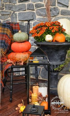 herbstliche auendeko Welcome to the FALL PORCH TOUR This year porch is a celebration of falls glorious colors! Pumpkins galore and so much more. Come and join me on the porch This Autumn Decorating, Porch Decorating, Decorating Ideas, Fall Home Decor, Autumn Home, Fall Harvest Decorations, Outdoor Decorations, House Decorations, Seasonal Decor