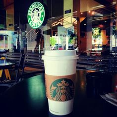 眠すぎちゃったから。 #スターバックスコーヒー needed #caffeine too #sleepy #starbucks#coffee #break #time #philippines#フィリピン