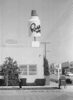 Reddi-Wip Building (ca. 1957), 8025 Melrose Avenue, where the DC Shoes Boutique is today