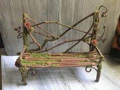 Faery Bench - miniature fairy furniture, fairy couch, fairy sofa, handmade by thefaeryforest Fee Ban Mini Fairy Garden, Fairy Garden Houses, Fairy Garden Furniture, Fairy Crafts, Fairy Doors, Fairy Garden Accessories, Miniature Fairy Gardens, Fairy Art, Faeries
