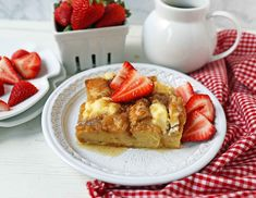 Baked French Toast Casserole Challah bread soaked in a rich sweet custard with sweet cream cheese and topped with a brown sugar streusel topping An easy overnight french. Bacon Egg And Cheese Casserole, Baked French Toast Casserole, French Toast Bake, Casserole Recipes, Gourmet Breakfast, Breakfast Ideas, Brunch Ideas, Breakfast Recipes, Overnight French Toast