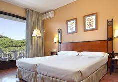 Las habitaciones de ILUNION Caleta Park en la Costa Brava son accesibles para personas con movilidad reducida. http://www.ilunioncaletapark.com/