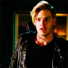 Dominic Sherwood as Gavin Parker-Price in Angela M. Shrum's upcoming novel, The Space Between Dominic Sherwood, Shadowhunters Tv Show, Shadowhunters The Mortal Instruments, Cassandra Clare, Christian Grey, Ryan Gosling, Clary Und Jace, Vampires, Jace Lightwood