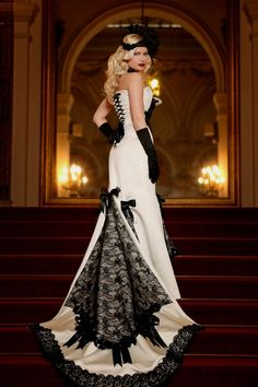 OMG! Can you sei this as a victoriansteam wedding gown? This is just fabulous!