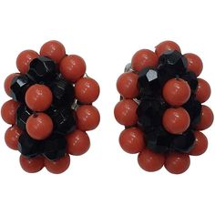 Pre-owned Elsa Schiaparelli 60s coral & black beads clip earrings. (15,855 DOP) ❤ liked on Polyvore featuring jewelry, earrings, clip-on earrings, coral earrings, black coral jewelry, black earrings, black clip on earrings and black bead earrings