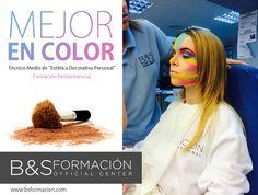 Técnicas de maquillaje adaptado a la fotografía en color.  Alumnas de Estética Decorativa y Asesoría de Imagen Personal #AsesoriaDeImagenPersonal #EsteticaDecorativa www.bsformacion.com