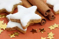 These sugar free icing recipes with stevia will top off your cakes or cookies in style! Sugar Free Recipes, Sweet Recipes, Cookie Recipes, Sugar Free Icing, Stevia Recipes, Star Cookies, Cookie Swap, Almond Cookies, Icing Recipe