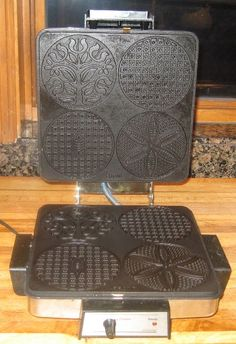 Pizzelles are also known as italian wafer cookies and there are various ways which to spell pizzelle such as piazelle, piazella, pizzele and pizelle. Pizzelle Maker, Pizzelle Cookies, Pizzelle Recipe, Wafer Cookies, Cupcake Cookies, Cupcakes, Gourmet Recipes, Cookie Recipes, Dessert