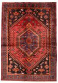 HAMADAN - Probably the carpet from Persia with most variations in its patterns. Knotted in many different villages around the city with the same name.