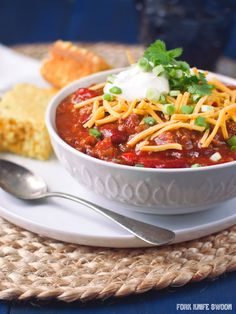 Slow Cooker Turkey Chilli: http://www.stylemepretty.com/collection/2952/