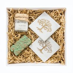 The perfect solution to say a quick thank you or job well done. We offer a large range of gifts that all fit within the petite box. Corporate Gifts, Hostess Gifts, Gift Wrapping, Range, Box, Gift Wrapping Paper, Cookers, Snare Drum, Promotional Giveaways