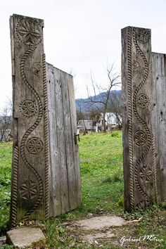 Old gates with ancient symbols, wood churches and many many other interesting things to visit in Maramures, Romania. Europe Facts, Easter Vacation, Adventure Symbol, Old Gates, Travel Baby Showers, Romania Travel, Ceramic Workshop, Wooden Buildings, Best Seasons
