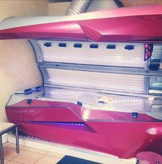 This tanning bed looks awesome lol.