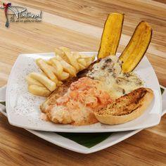 Filete de róbalo a la plancha, gratinado en dos salsas, acompañado de camarones, champiñones y papas a la francesa ¡Visítanos!