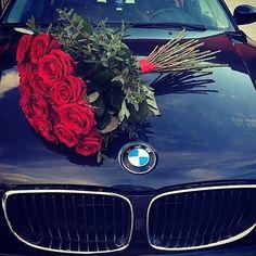 De fiecare data cand vad poza asta imi amintesc ca te iub vtm #S Trandafiri rosii = te iubesc Iar asta e BMW ul tau ❤