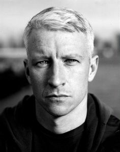 Anderson Cooper - hot WITH a brain - a rare find...