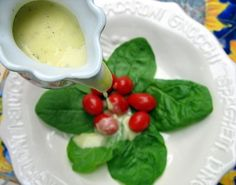 Some say the best foods to eat at the Olive Garden are the salad and bread sticks. Olive Garden restaurant recipes like this one for Homemade Olive Garden Creamy Italian Dressing make it possible to enjoy such dishes at home! Easy Restaurant, Restaurant Recipes, Italian Dressing Recipes, Italian Salad, Great Recipes, Favorite Recipes, Yummy Recipes, Recipe Ideas, Healthy Recipes