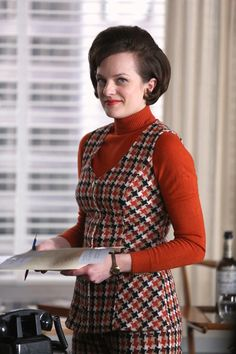 Elisabeth Moss' (Peggy Olson) Best On and Off-Screen Style Moments - Mad Men Season 6 from Fashion Tv, Mens Office Fashion, Mad Men Fashion, Vintage Fashion, 1960s Fashion, Vintage Clothing, Don Draper, Sally Draper, Betty Draper