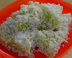 Blessed Homemaker: Steamed Tapioca Cake (Ubi Kayu)