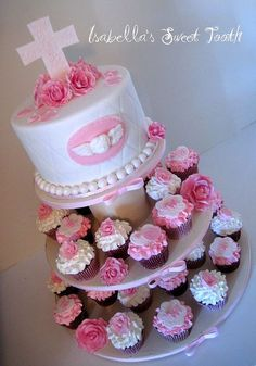 Madisons babtism cake by Isabella's sweet tooth (johanna), via Flickr