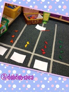 Boy friendly dinosaur sorting on a floor based pictogram. Paper and pencils available to encourage labelling criterion. Dinosaurs Preschool, Dinosaur Activities, Math Activities, Dinosaur Projects, Preschool Ideas, Teaching Ideas, Maths Display, Class Displays, Maths Eyfs