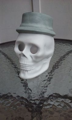 """Big 8"""" Ceramic Skull With Top Hat Planter/Candle Holder Halloween Home Decor"""