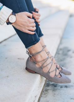 Try stitch fix :) personal styling service! Stitch fix shoe inspiration 2016. 1. Sign up with my referral link. (Just click pic) 2. Fill out style profile! Make sure to be specific in notes. 3. Schedule fix and Enjoy :) There's a $20 styling fee but will be put towards any purchase.