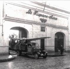 Antiguo Hispano Aviación, en la calle San Jacinto de Triana - Sevilla  www.trianaocio.es