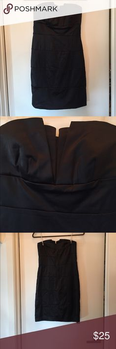 Black strapless formal dress, size 7. Great shape! Black strapless formal dress, size 7. Great shape! This dress is perfect to throw a jacket over for a more casual night, but also great for a formal or fancy night out. Wishes Wishes Wishes Dresses Strapless