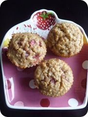Strawberry Banana Quinoa Muffins I make these all the time and the entire batch only ever lasts one day! Very moist and not too sweet, with the extra health benefit of quinoa. YUM.