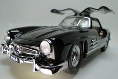 Rare Vintage Exotic: High-End Mercedes GULLWING ...