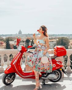 ummertime is always the best what might be ❤️ What are your plans for coming July Vintage Vespa, Vespa Girl, Scooter Girl, Lambretta Scooter, Vespa Scooters, Red Vespa, Paris Chic, Motor Scooters, Queen Dress
