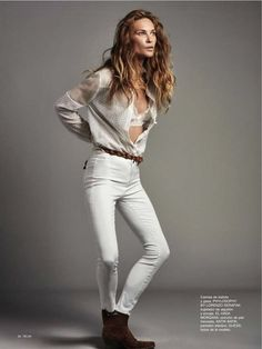 Erin Wasson keeps it casual on the April 2016 cover of TELVA Magazine. The American model wears a ruffle embellished shirt and high-waist jeans in the image… Erin Wasson, Vogue, Celine, Spring Summer Trends, Summer 2016, Glamour, Professional Women, Casual Street Style, Beautiful Models