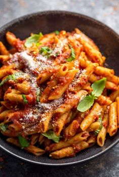 Penne Arrabbiata is spicy, saucy, and so easy! The combination of penne noodles, spicy tomato sauce, and parmesan cheese is simply irresistible. But the best part is this Italian pasta recipe is ready in about 20 minutes. Penne Arrabbiata - An easy Penne Recipes, Best Pasta Recipes, Healthy Recipes, Easy Italian Recipes, Easy Recipes, Italian Noodle Recipe, Simply Cook Recipes, Simply Pasta Recipe, Delicious Pasta Recipes