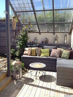 Cubierta para salón de terracita-jardin